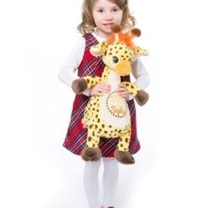 cubbies giraffe with little girl
